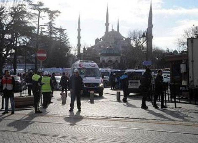 Atentado en Estambul: mueren 9 turistas alemanes.