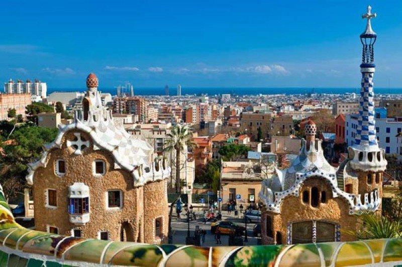 Barcelona establecerá una regulación específica por zonas de los alojamientos turísticos