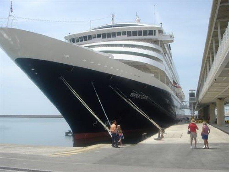 Almería refuerza su posición para el segmento de cruceros en 2016