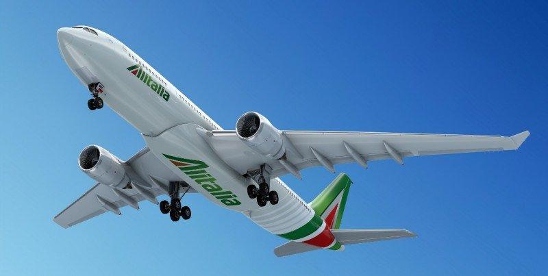 Alitalia tiene una flota completamente renovada (en la foto, uno de los nuevos Airbus A330).