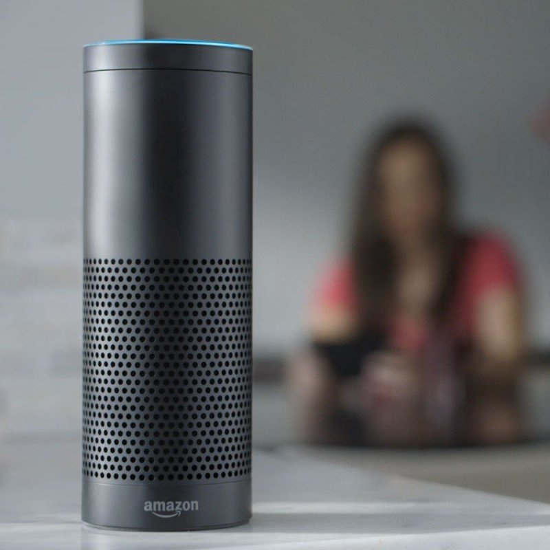 Alexa, un robot que busca vuelos al que se lo pide (vídeo)