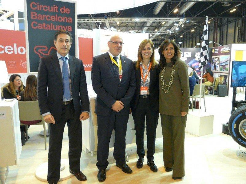 En el centro, el nuevo consejero de Turismo de la Generalitat de Cataluña, Jordi Baiget, en la apertura de Fitur.