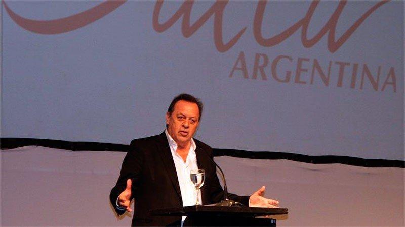 El nuevo ministro de Turismo de Argentina, Gustavo Santos. (Foto elonce.com)