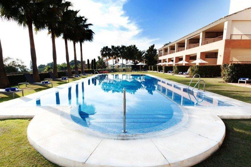 Piscina privada en Deluxes Villas by Don Carlos Leisure Resort