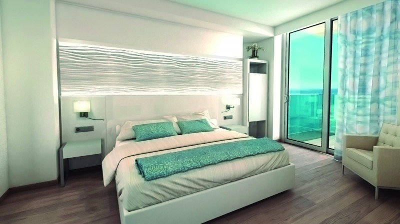 Una de las 288 habitaciones reformadas del Port Benidorm.
