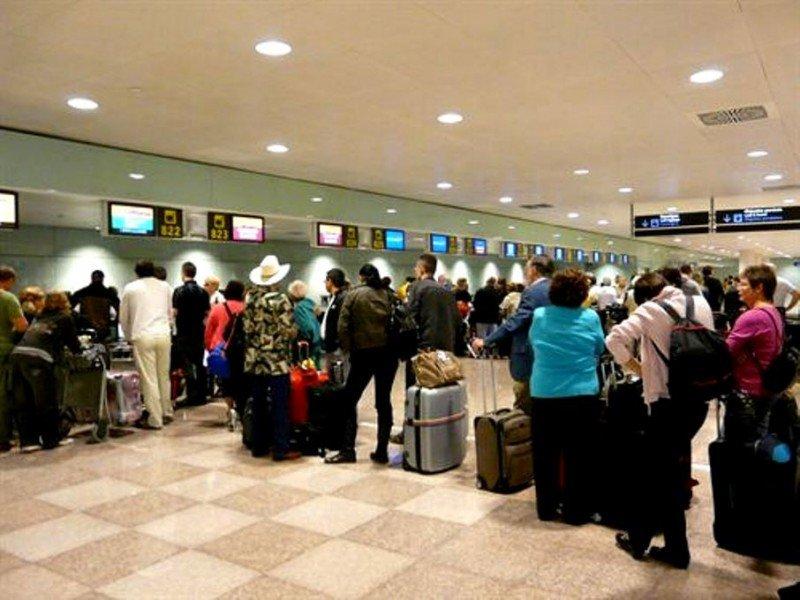 La huelga de controladores franceses provoca solo la cancelación de cuatro vuelos con España