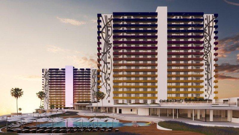 El Hard Rock Hotel Tenerife abrirá en noviembre con 624 habitaciones distribuidas en dos torres.