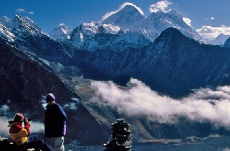 El senderismo y el montañismo son las principales actividades que ofrece Nepal.
