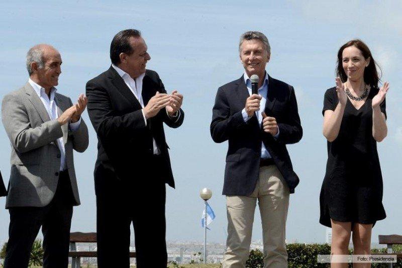 Macri viajó a Mar del Plata para reunirse con María Eugenia Vidal y Gustavo Santos. (Foto: Presidencia de la Nación)