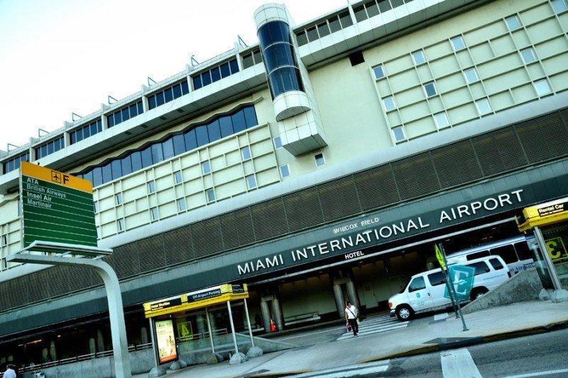 Aeropuerto de Miami logra récord diario de pasajeros