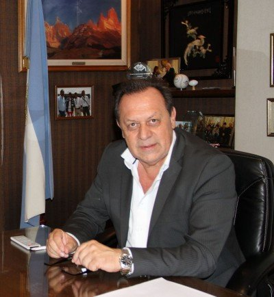 Gustavo Santos.