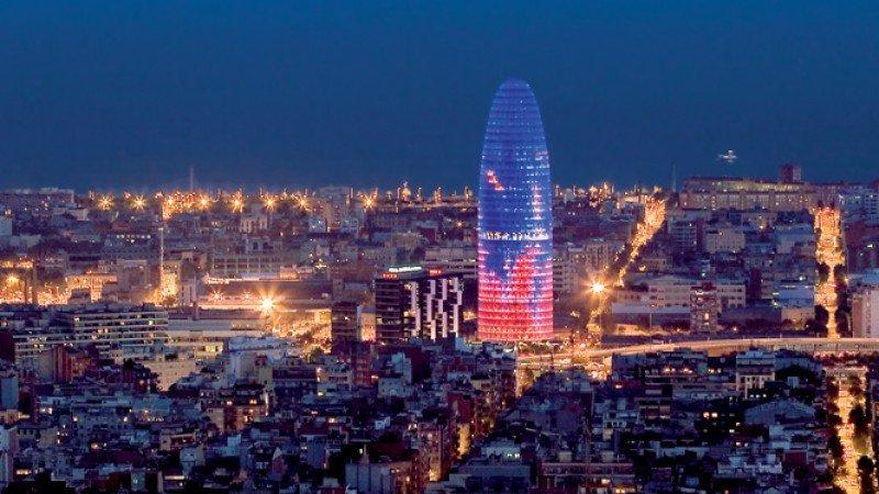 El hotel de la Torre Agbar y otros seis proyectos seguirán adelante en Barcelona