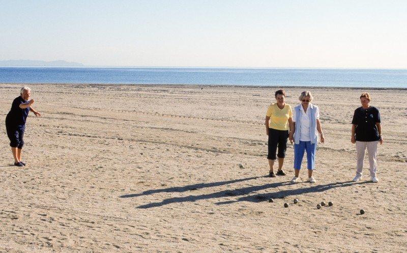 Los hoteleros de Costa del Sol rechazan el desvío del Imserso de Canarias a Baleares