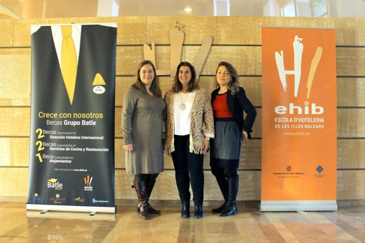 De izquierda a derecha: Sandra Dorado, directora de Recursos Humanos de Grupo Batle; María Tugores, directora de la EHIB, y Vanessa Cursach, responsable de selección y desarrollo de Grupo Batle.