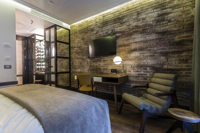 Una de las 206 habitaciones, decorada con un estilo 'neoyorquino'.