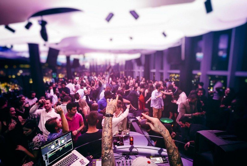 En Eclipse, su lounge club en la azotea, W Barcelona ha organizado dos fiestas esta semana para los asistentes al MWC.