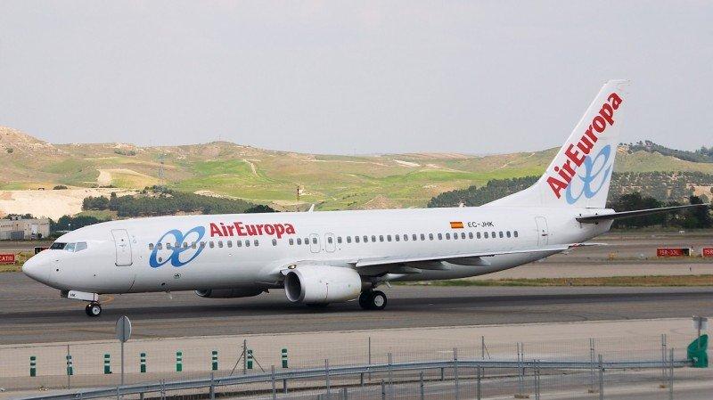 Air Europa opera la ruta con un B737-800.