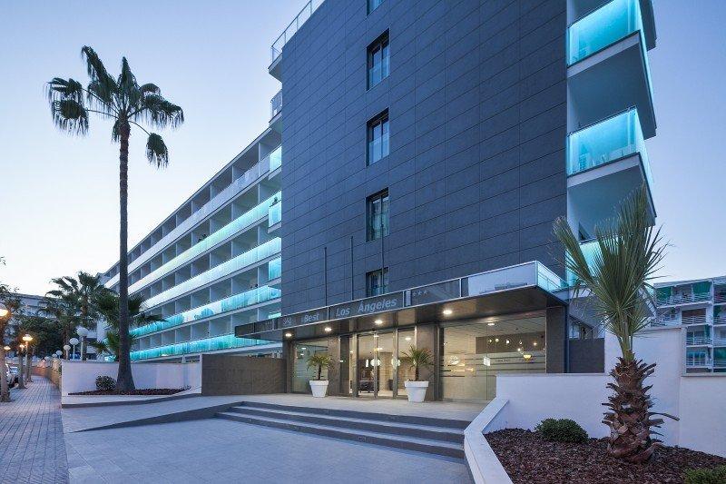 El Best Hotels Los Ángeles, situado en Salou, ha subido categoría, de 3 a 4 estrellas.