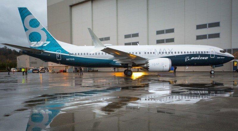 Boeing realiza con éxito el primer vuelo del 737 MAX 8