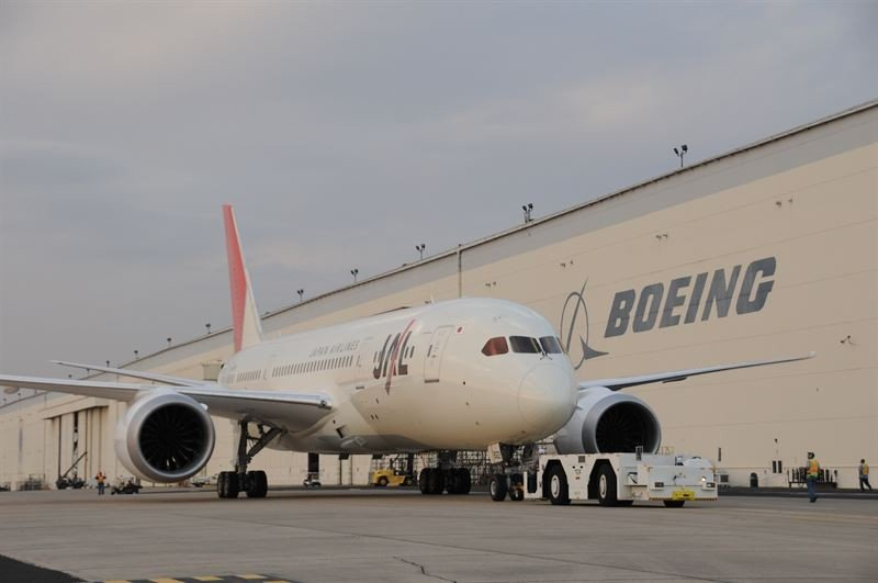 Boeing planea recortar personal en su división de aviones comerciales