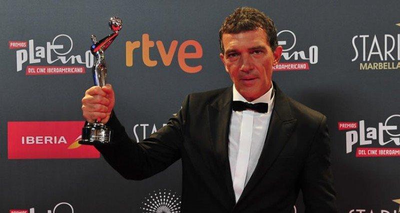 Antonio Banderas homenajeado en los Premios Platino 2015.