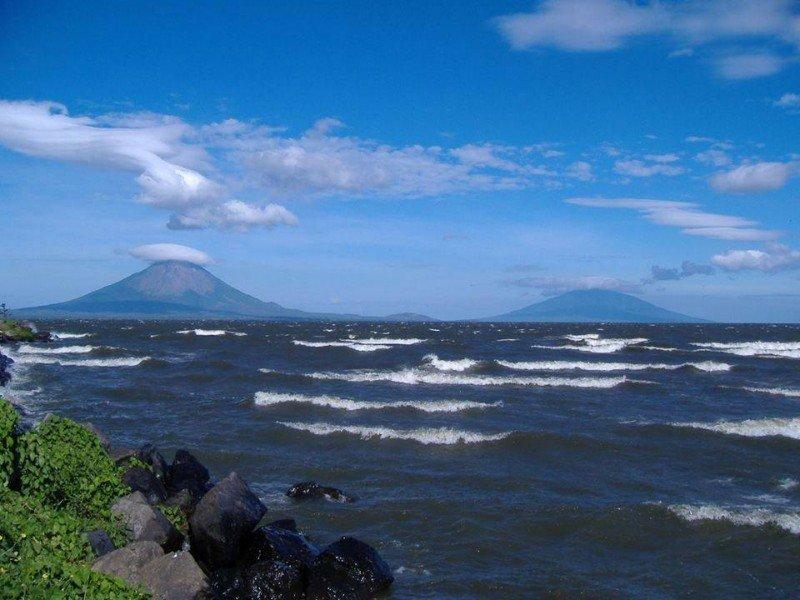 Catamarán turístico recorre el Gran Lago de Nicaragua desde este sábado.