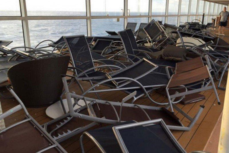 El Anthem of the Seas sufrió daños por una gran tormenta hace tres semanas en el Atlántico Norte.