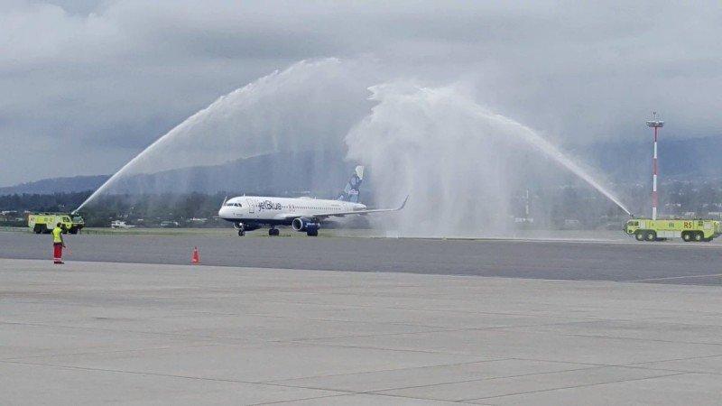 JetBlue comenzó sus vuelos diarios entre Florida y Quito.