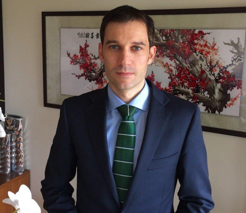 César Gutiérrez.