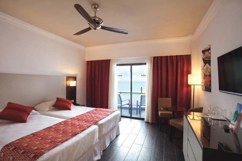 Sus 234 habitaciones presentan ahora un diseño minimalista en tonalidades rojas.