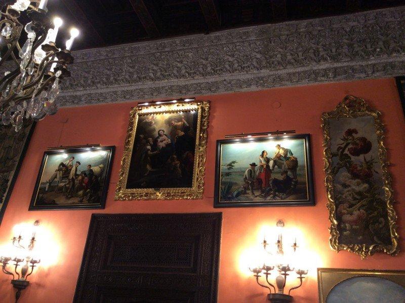 El Palacio cuenta con casi 600 piezas de arte.