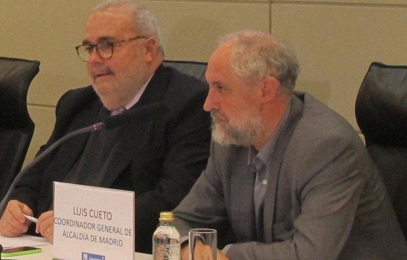Luis Cueto (dcha.), junto a Javier Gómez Navarro, presidente de la ATM, en la presentación del Plan Estratégico.