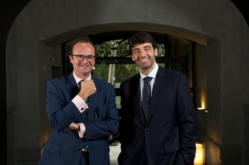 """Los socios directores de Magma, Bruno Hallé y Albert Grau (de izq. a dcha), afirman que """"2016 pinta que será de nuevo un año récord, también en inversión hotelera'."""