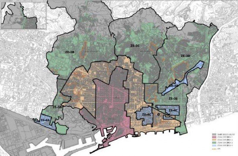 Mapa de desarrollo de la oferta alojativa en Barcelona que dibuja el PEUAT. De los 38 proyectos hoteleros suspendidos con la moratoria sólo podrán seguir adelante nueve.