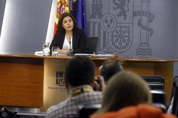 La vicepresidenta del Gobierno, Soraya Saéz de Santamaría, tras el Consejo de Ministros.