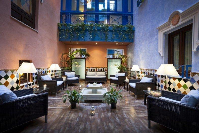 Los tres establecimientos de Dauro Hoteles, que suman 105 habitaciones, acogen al turista de negocios, al vacacional y al cultural.