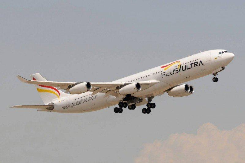 Uno de los dos Airbus A340-300 que conforman la flota inicial de Plus Ultra Líneas Aéreas (Foto: Antonio Camarasa).