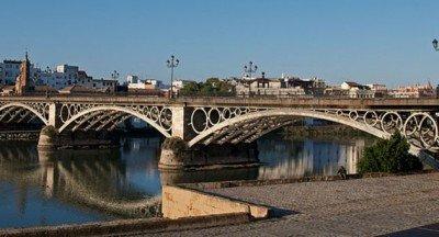 Antes de verano, el Ayuntamiento de Sevilla aprobará el Plan de Acción 2016-2017.