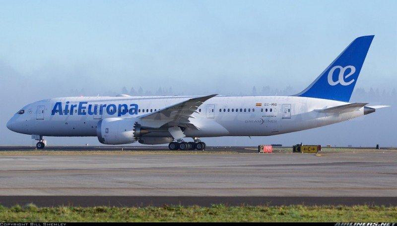 El primer Boeing 787 de Air Europa aterriza en España (Foto: Bill Shemley/Airliners.net).