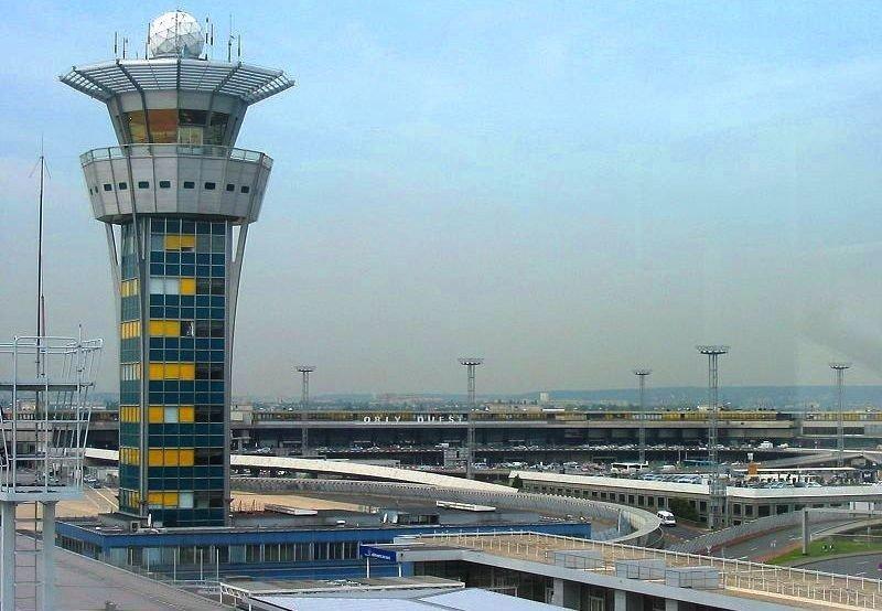 Torre de control del Aeropuerto de París-Orly.