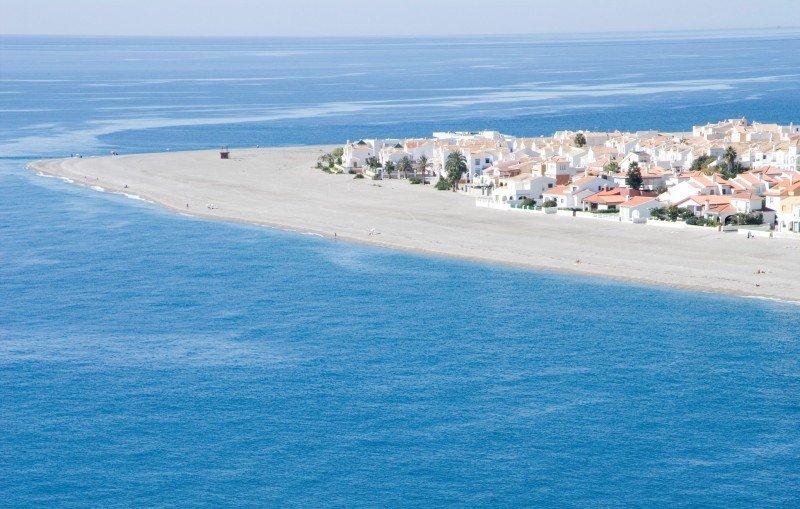 Playa de Calahonda, en el municipio de Motril, provincia de Granada.