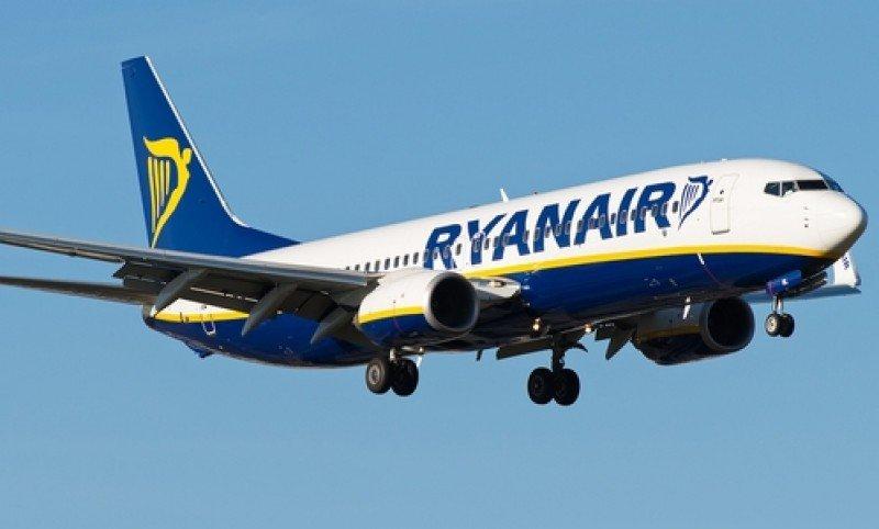 Ryanair presenta un ERE de reducción de jornada en Girona