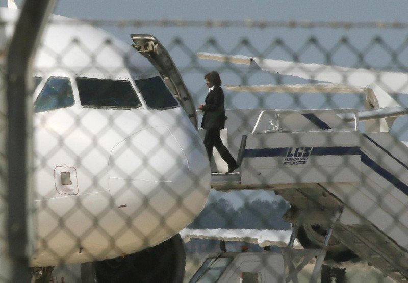Liberan a la mayoría de los pasajeros del avión de Egyptair (vídeo)