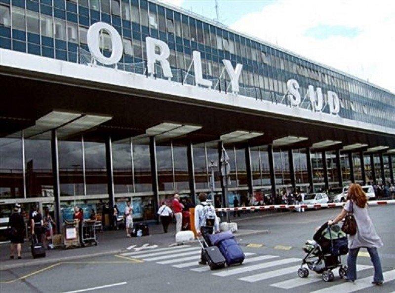 Cancelan un 20% de los vuelos en Orly y un tercio en Marsella