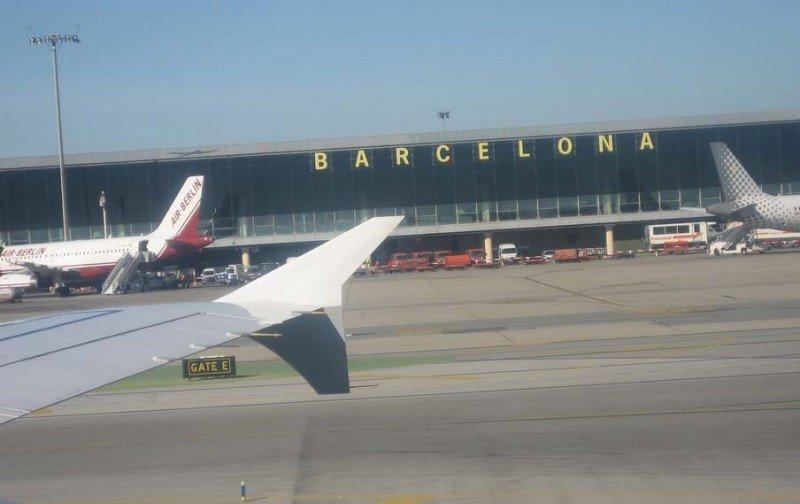 El Aeropuerto de Barcelona-El Prat, el que más cancelaciones de vuelos con Francia registra.