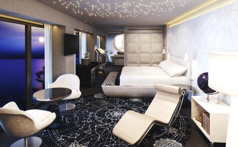 Una de las suites temáticas, la Stargazer Suite, permite dormir contemplando las estrellas.