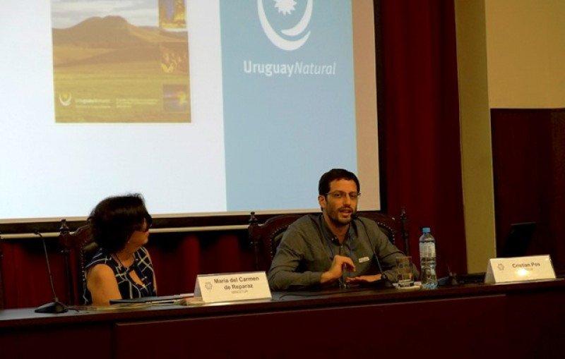 Perú y Uruguay intercambian experiencias en turismo