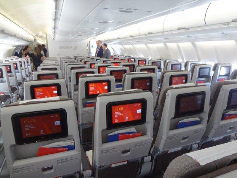 En clase Económica los asientos son más espaciosos y tienen cabezales regulables.