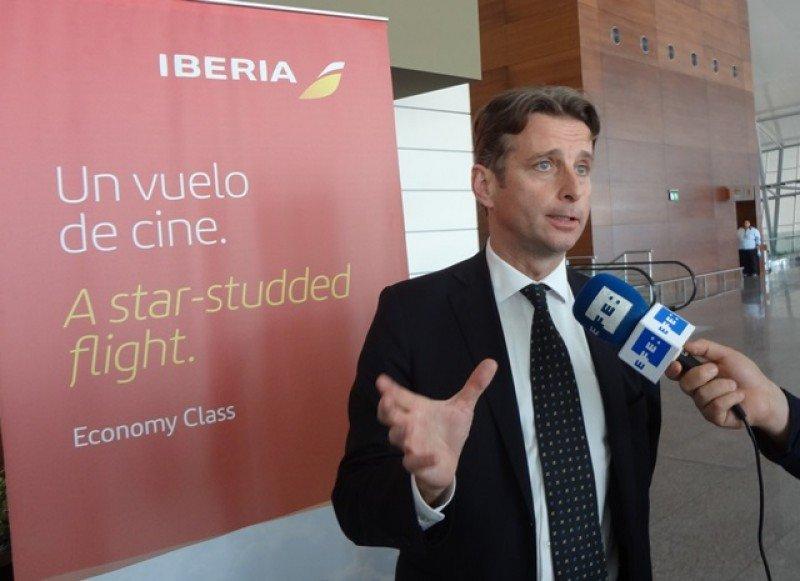 Puntualidad, experiencia a bordo y 'tarifas agresivas' forman parte de los valores que Iberia promueve en los mercados latinoamericanos, indicó Frédéric Martínez