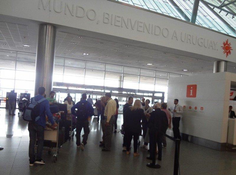Sección de arribos del Aeropuerto Internacional de Carrasco.
